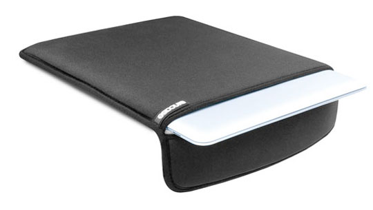 """""""Чехол для Apple MacBook Air 11 """" Incase Neoprene Sleeve CL57801."""