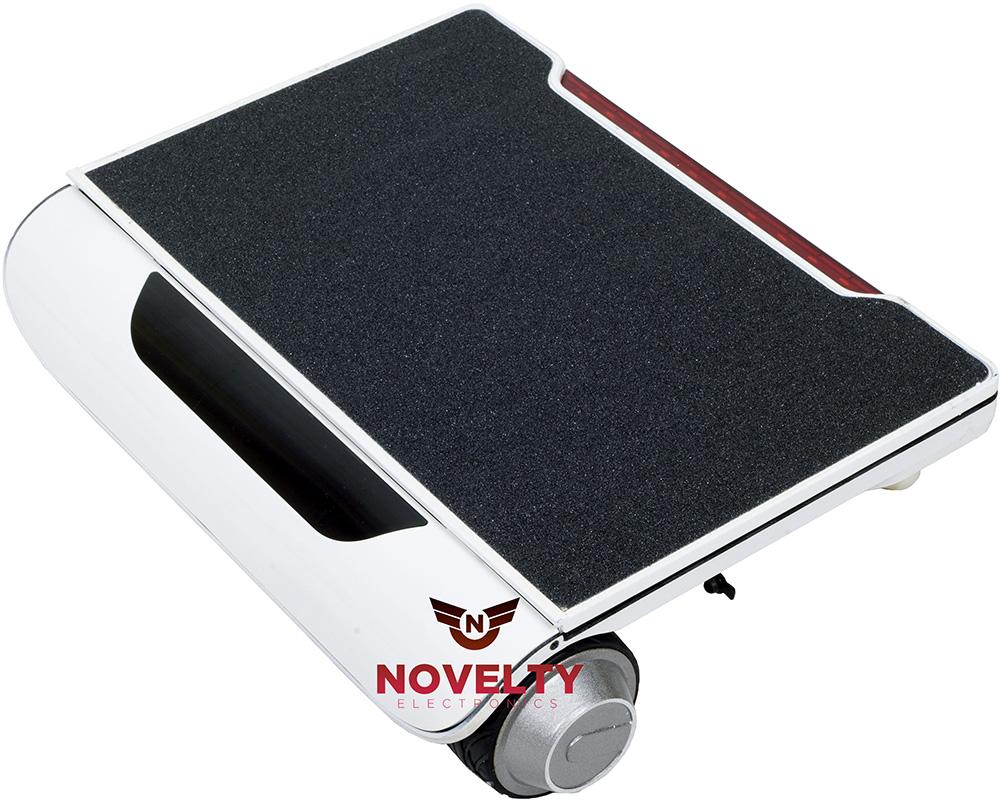 Novelty Electronics L5 - четырехколесный скутер (White)