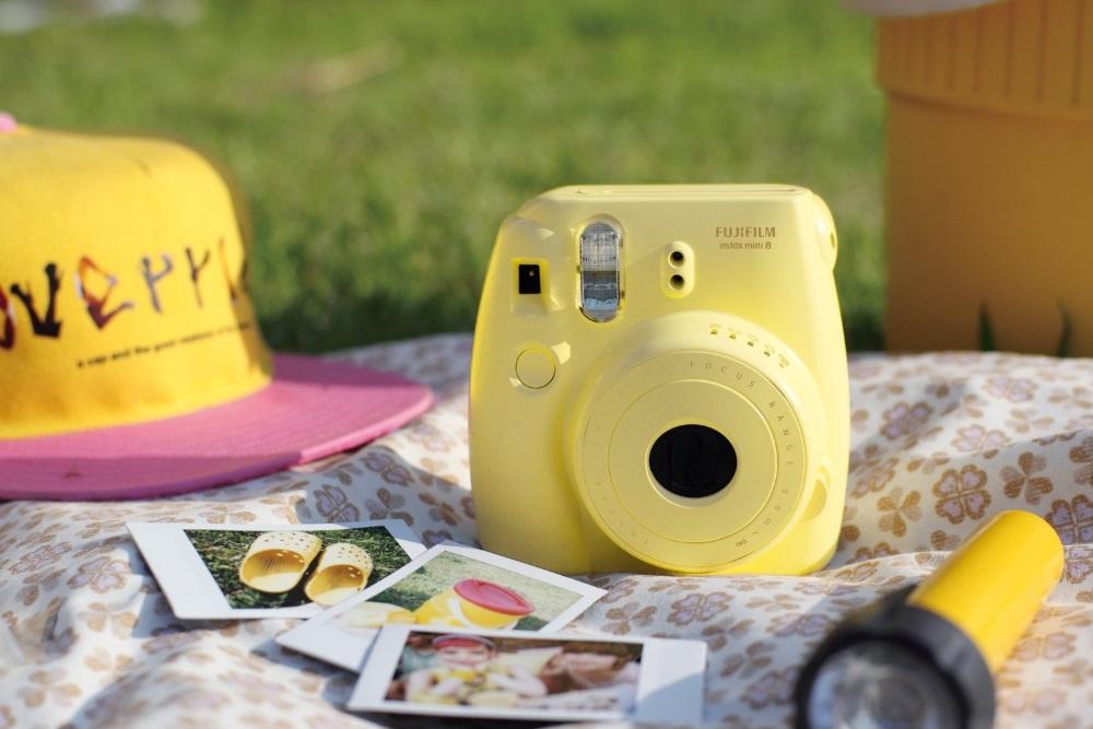 Fujifilm Instax Mini 8 - камера моментальной печати (Yellow)