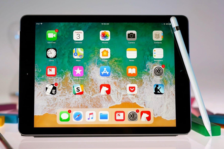 Планшет Apple iPad 9.7'' 32Gb Wi-Fi+Cellular 2018 MR6N2RU/A (Space Grey)