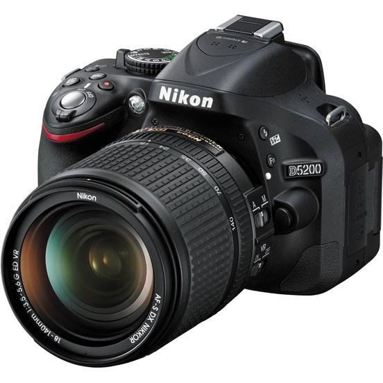 Фотоаппарат Nikon D5200 Kit (D5200 Body Black + 18-140 VR DX Black)