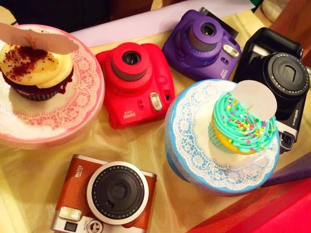 Fujifilm Instax Mini 8 - камера моментальной печати (Grape)