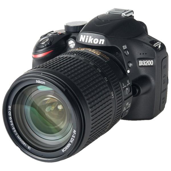 Nikon D3200 - зеркальный фотоаппарат (Black) + объектив AF-S DX NIKKOR 18-140mm f/3.5-5.6G ED VR от iCover