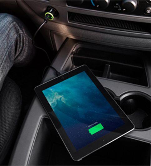 Автомобильное зарядное устройство + кабель Belkin Car Charger Lightning USB 2.4A (F8J121bt04-BLK)