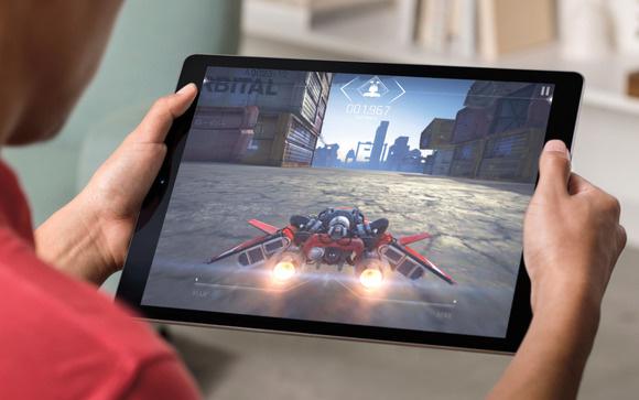 Планшет Apple iPad 9.7'' 32Gb Wi-Fi 2018 MR7F2RU/A (Space Grey)
