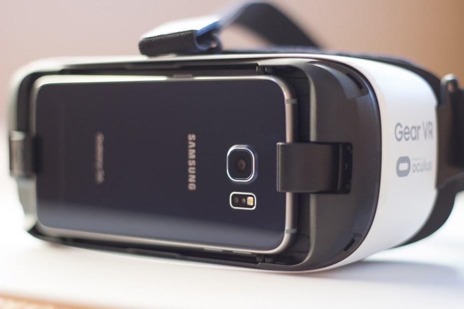 Телефон самсунг галакси с очками виртуальной реальности заказать dji goggles для дрона вош