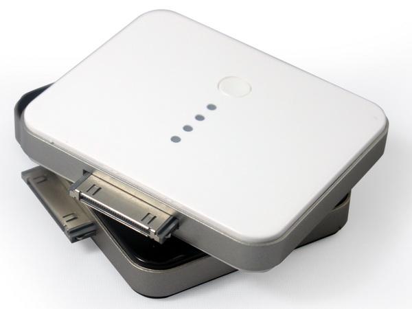 Powerocks Booster (BT-PR-OA) - дополнительный аккумулятор для iPhone/iPod (White)