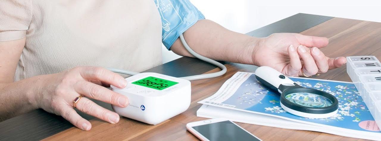 Тонометр iHealth Track Bluetooth Blood Pressure Monitor SLR550BT (White)