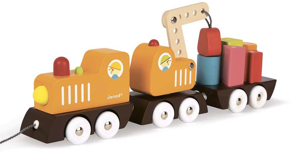 Поезд с краном и цветными фигурами